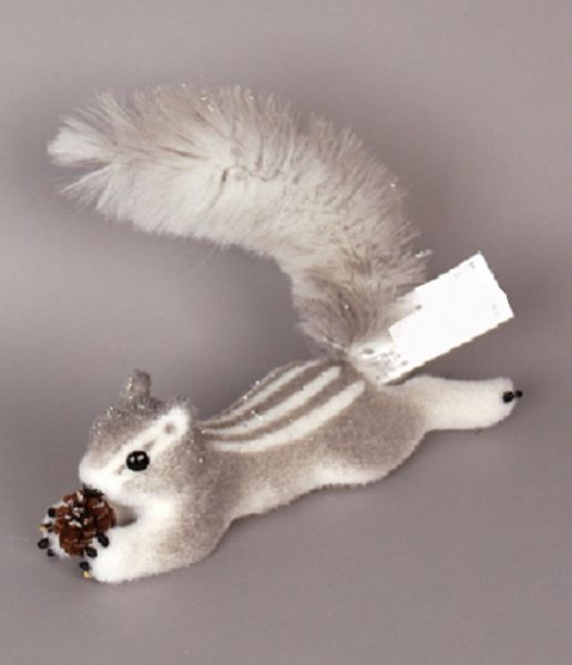 254029 –  14″ GRAY/WHITE LAYING SQUIRREL W/PINECONE