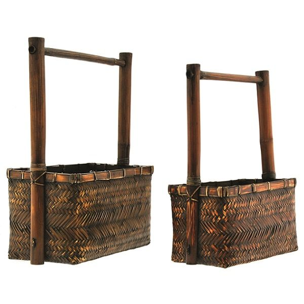 B15762 –  BROWN STAINED RECTANGULAR BASKET, SET/2, W/WOOD HANDLE